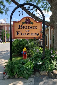 Entrance to the Bridge of Flowers.