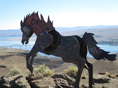 2014-07 Wild Horses Monument