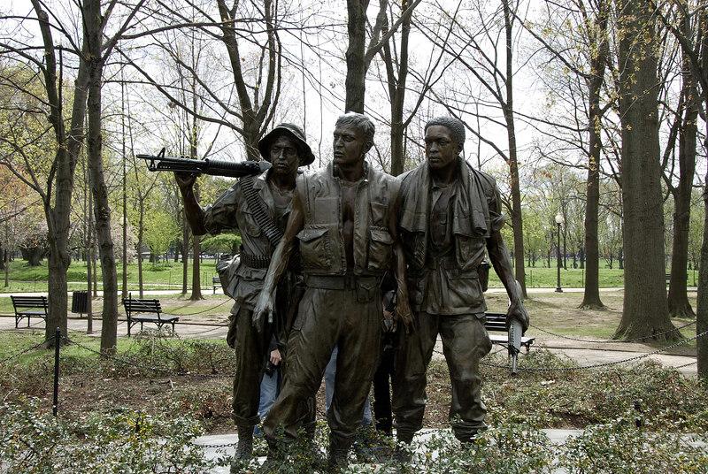 Vietnam Memorial - Soldiers