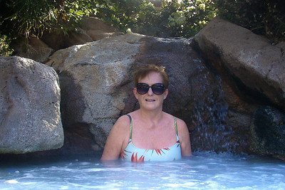 Spa pool at Lawai Beach