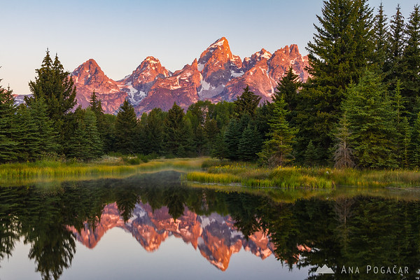 Sunrise in the Grand Teton NP from Schwabacher Landing