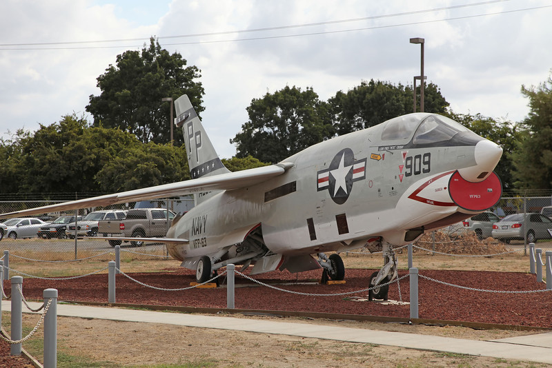 USA 2011 -  Castle Air Museum, Atwater - RF-8G Crusader