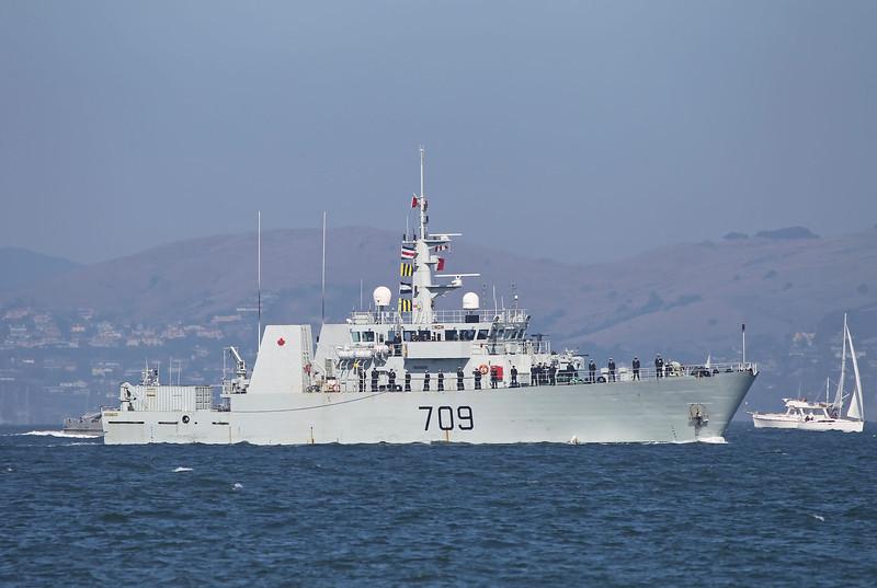 USA 2011 - San Francisco Fleet Week - Ship Parade