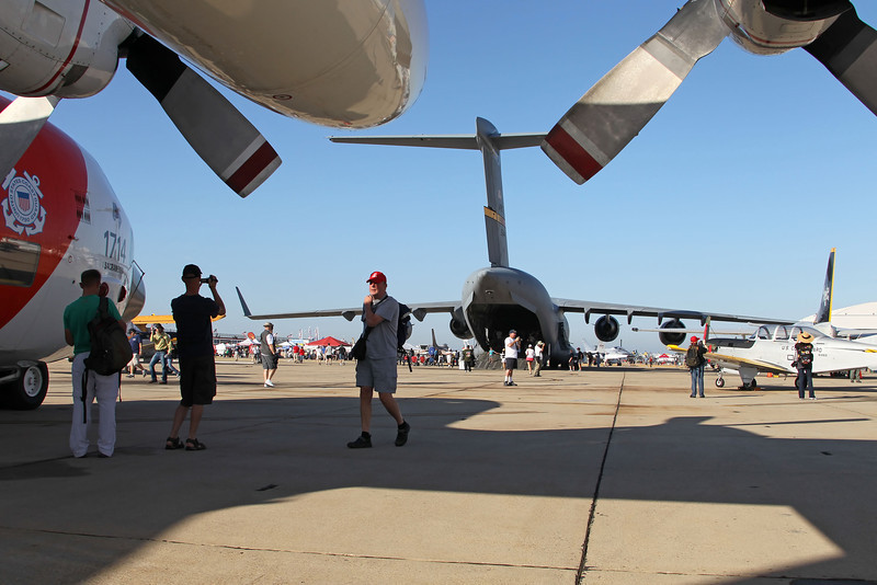 USA 2011 - MCAS Miramar Air Show - C-17 Globemaster - US Coast Guard C-130 Hercules