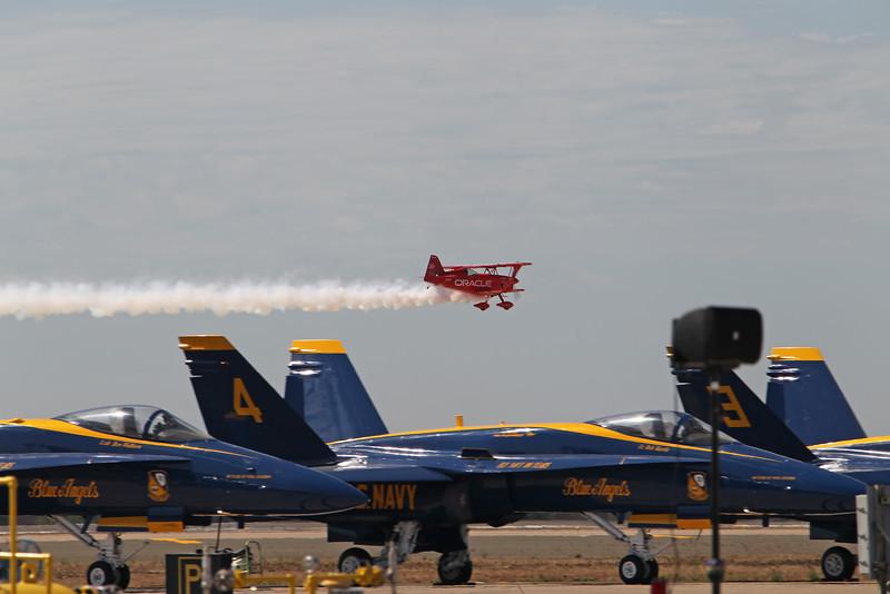 """USA 2011 - MCAS Miramar Air Show - Sean Tucker, """"Oracle Challenger"""""""