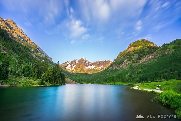 Maroon Bells and Maroon Lake near Aspen, Colorado, after sunrise