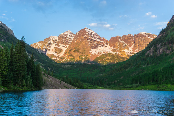 Maroon Bells and Maroon Lake near Aspen, Colorado, at sunrise