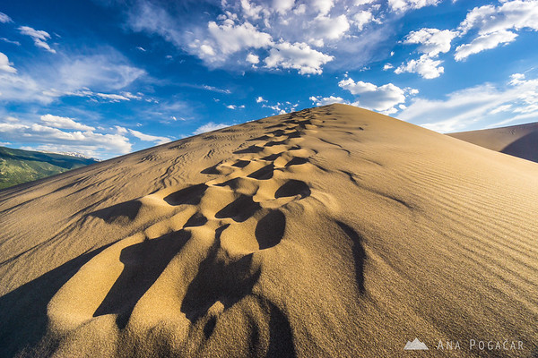 Hiking the dunes in the Great Sand Dunes NP, Colorado