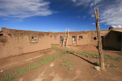 Taos Pueblo, New Mexico, USA.