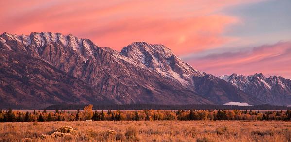 Sunrise at Tetons