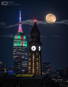 Moon over NJ and NY on a Christmas night