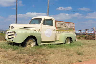 White Dog Cafe truck along Route 66 Clinton, Oklahoma, USA