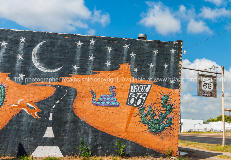 Route 66 signs and wall mural, Sayre, Oklahoma, USA