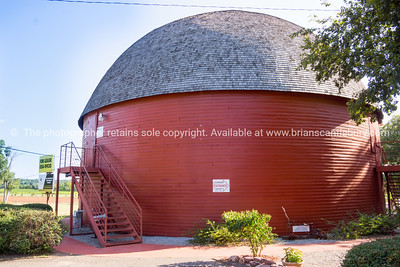 Historic Arcadia Round Barn, Arcadia, Ohlahoma, USA.