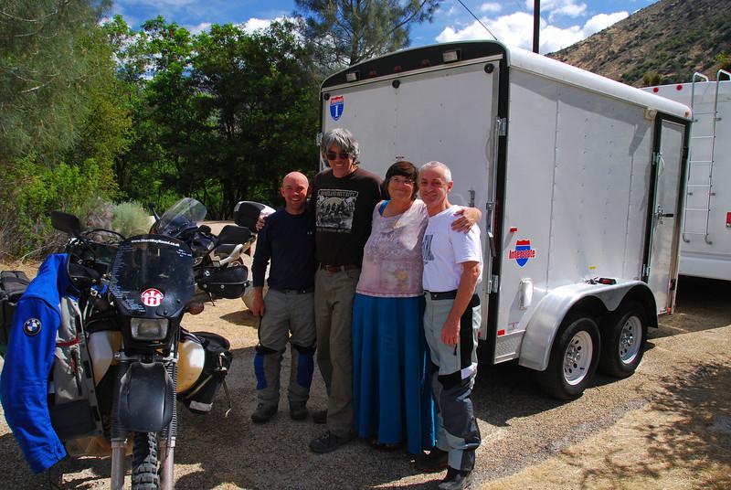 With Geoff Mason (AUS), Rob & Karen  (USA), Hospital Flats campsite, Sequoia NF,  CA