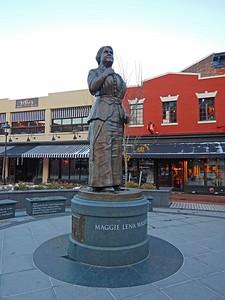 Maggie Walker statue
