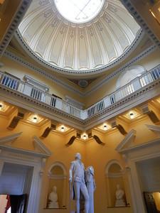 George Washington statue in rotunda