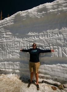 Een muur van sneeuw. Rocky Mountain National Park. Colorado, USA.