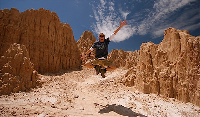 Uit de reeks: 'Jump!' Cathedral Gorge State Park. Nevada, USA.