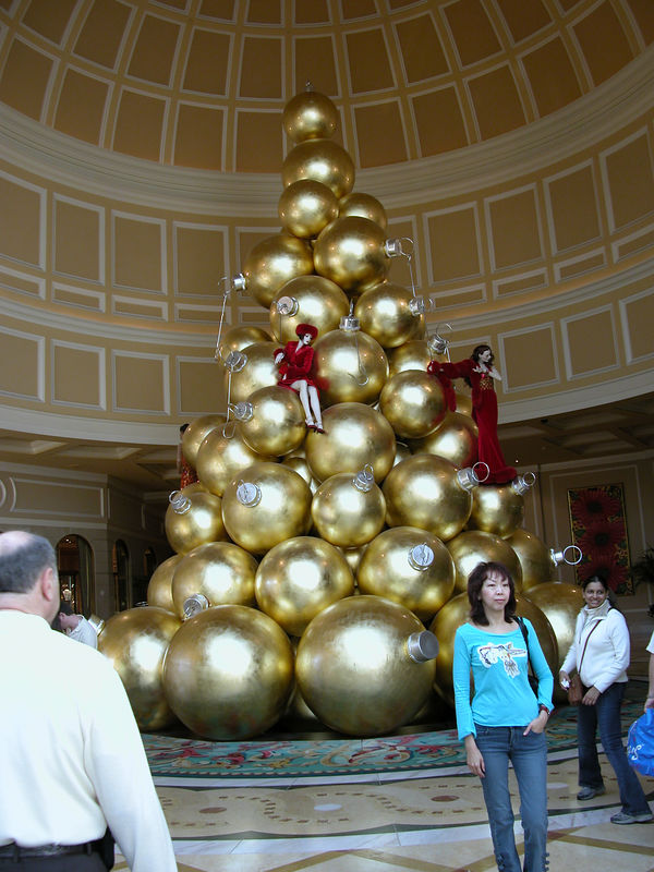Christmas ornaments at the Belagio