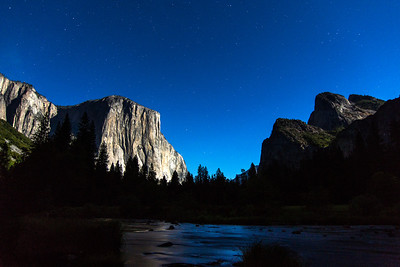 el Capitan-Cathedral Rocks night