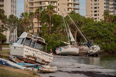 Кораблики выброшенные на ураганом