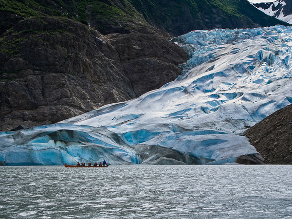 The canoes went right up to the face of the glacier