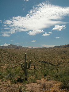 Apache Trail east of Phoenix, Arizona. © Rob Huntley