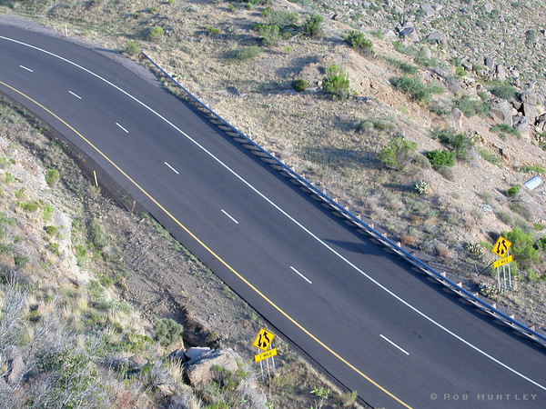 Overhead view of a desert highway in Arizona. © Rob Huntley