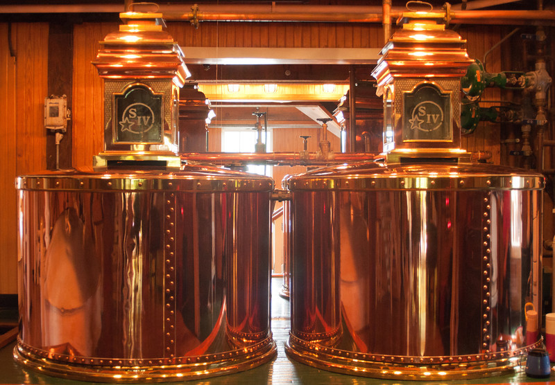 Makers distilling pots