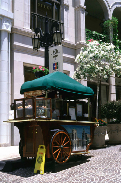 Doughnut Stand at Rodeo Drive Los Angeles