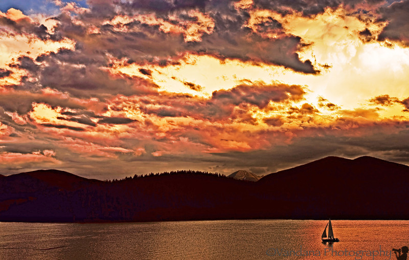 night stopover at Dillon. Sunset at Dillon lake with sailboats and some gloden light