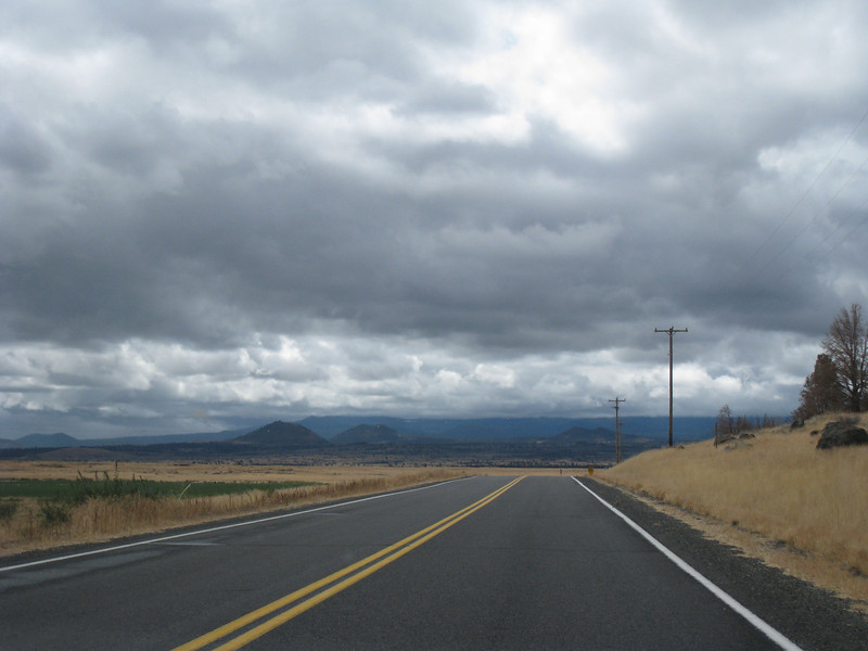 On the way to Lava Beds National Monument <FONT SIZE=1>© Chiyoko Meacham</FONT>