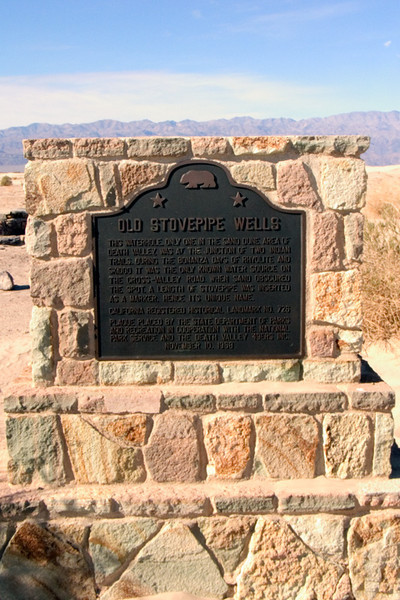 Stovepipe Wells historical plaque