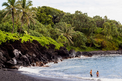 Waianapanapa State Park Black Sand Beach in Maui, Hawaii