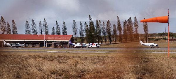 FedEx truck meets FedEx plane at Molokai Airport