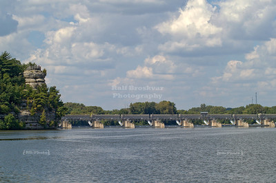 Starved rock and dam on the Illinois River, Utica, Illinois