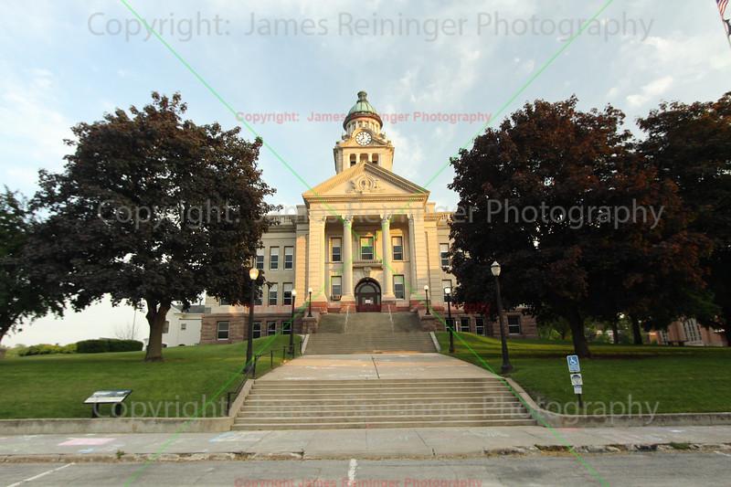 Winneshiek County Courthouse