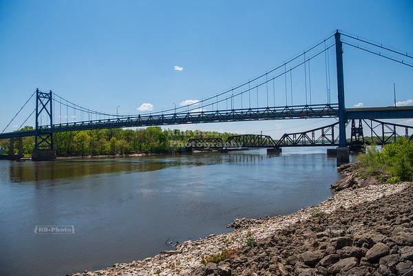 Gateway Bridge over the Mississippi River