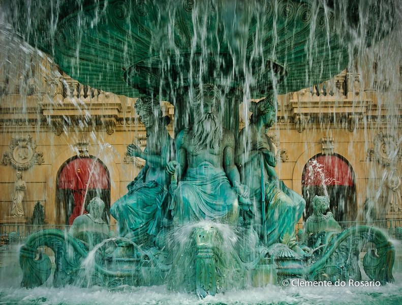 Fountain at the entrance of Paris Casino & Hotel, Las Vegas, USA
