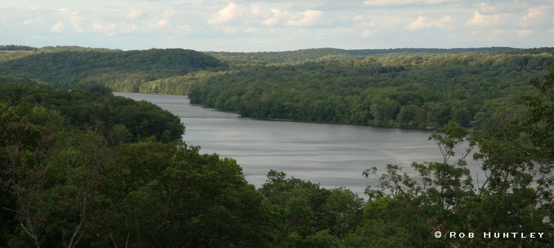 St. Croix River viewed from the Minnesota side. Wisconsin is on the far side. © Rob Huntley