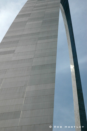 Gateway Arch monument in St. Louis, Missouri.