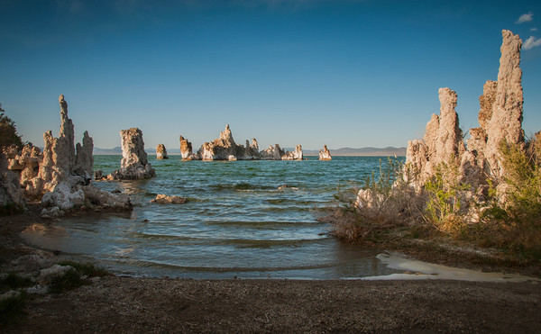 Small cove at Mono Lake