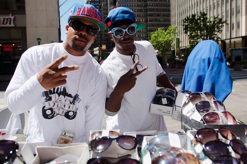 Manhattan sunglass vendors.