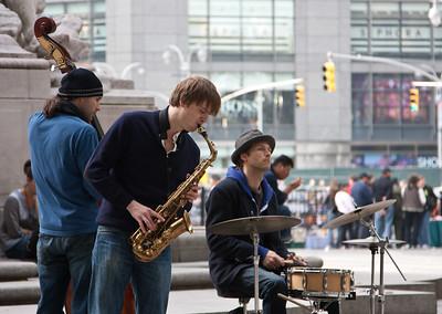 Street musicians in New York