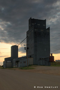 Grain Elevator, Watford City, North Dakota. HDR. The elevator says Farmers Co-op Elevator Co. However, it is now owned by Horizon Resources. © Rob Huntley