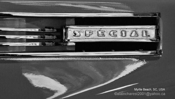 Myrtlebeach, SC, USA; Details of a passing car / Détails d'une voiture roulant à basse vitesse.