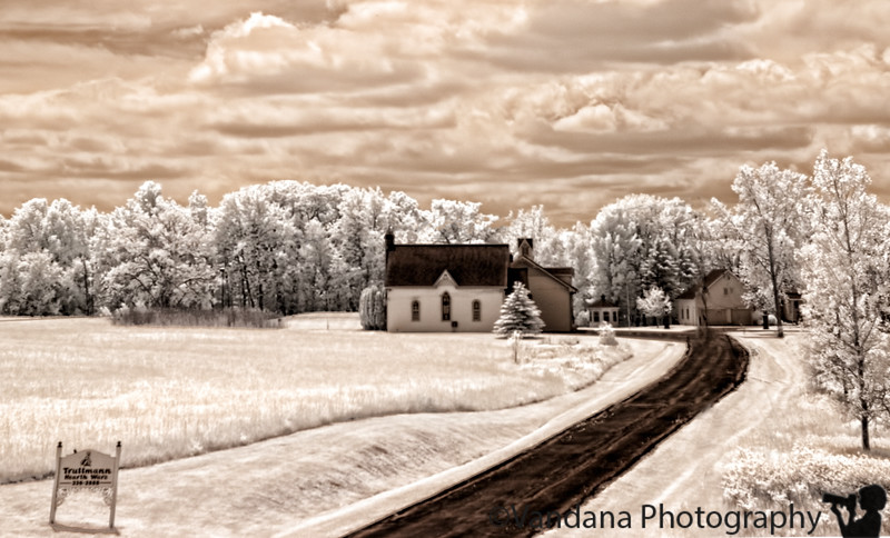 June 4, 2010 - The little house in the corner, IR