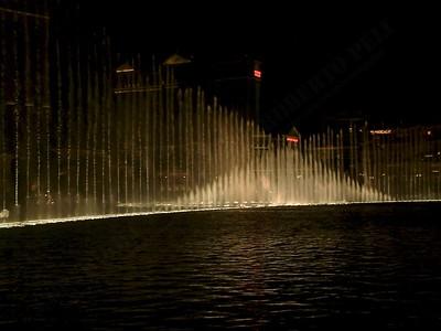 Las Vegas - Giochi d'acqua del Bellagio 2004-03-08 at 06-15-26