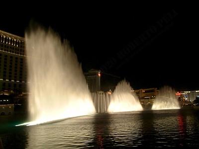 Las Vegas - Giochi d'acqua del Bellagio 2004-03-08 at 06-02-32